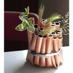 Vase aus Gartenschlauch