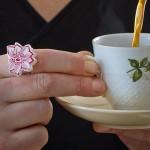 Ring aus Keramikgeschirr